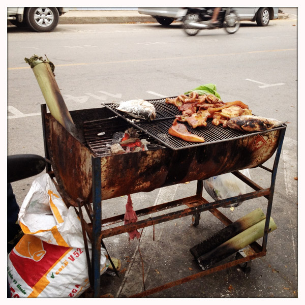 Chiang Saen - Street food - Bamboo Fish - barbecue