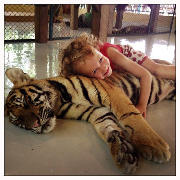 Chiang Mai - Tiger Kingdom - kinderen en tijgers
