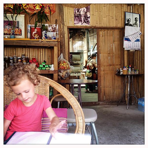 Thailand - Tha Ton - ontbijten bij de bakker
