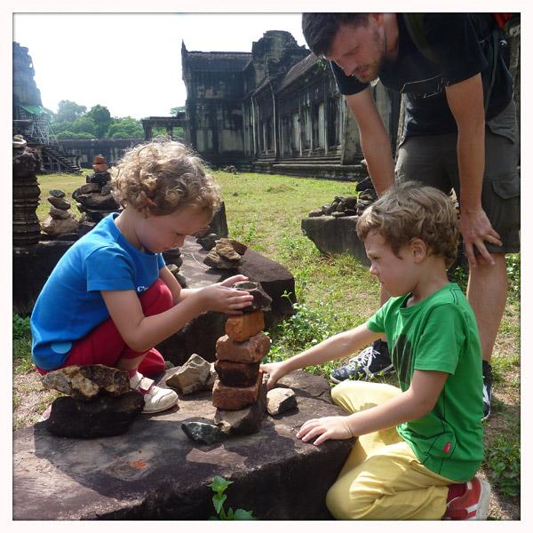 Cambodja - Siem Reap - Ankor Wat - tempel - met kinderen