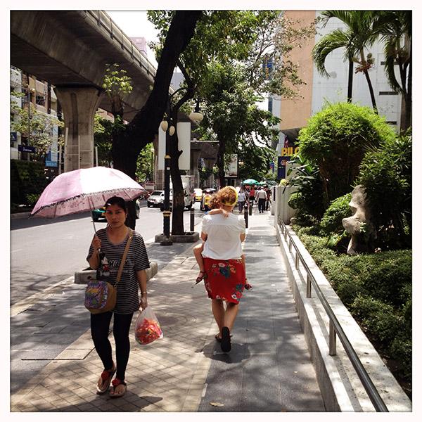 Wandelen in de Silom Road