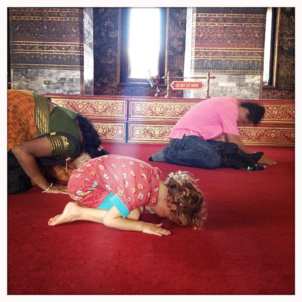 Wat-Pho-Lena-bidt