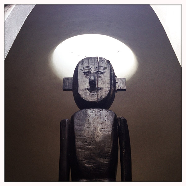 The Black House - Dogon sculptuur